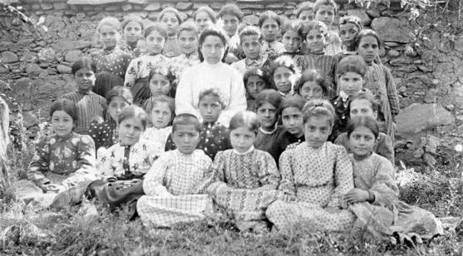 Sait Çetinoğlu: Ermeni Tarihine Soykırımın İçinden Bakmak